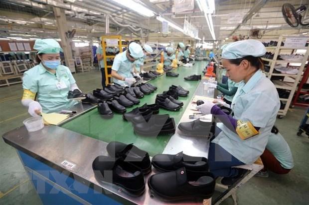 Alerta experto japones sobre desafios que enfrenta la economia vietnamita hinh anh 1