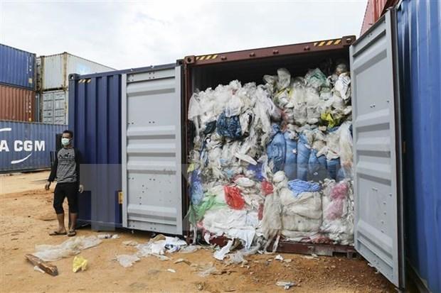 Devuelve Indonesia a EE.UU. contenedores de residuos toxicos hinh anh 1