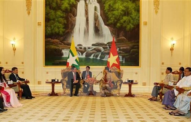Dialoga vicepremier de Vietnam con asesora de Estado de Myanmar hinh anh 1