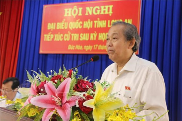 Dialoga viceprimer ministro de Vietnam con electores en la provincia de Long An hinh anh 1