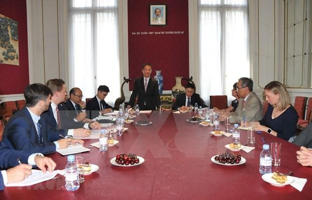 Aboga comisaria europea de Comercio por pronta firma de TLC con Vietnam hinh anh 1
