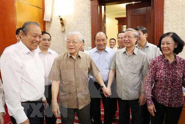 Preside maximo dirigente de Vietnam reunion del Buro Politico del Partido Comunista hinh anh 1