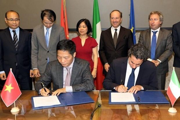 Buscan Vietnam e Italia una mayor asociacion economica y comercial hinh anh 1