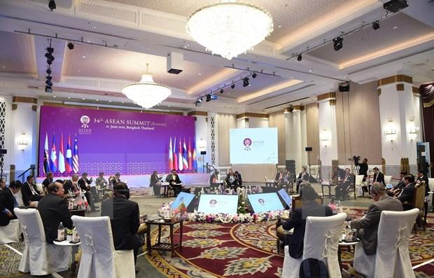 Concluye premier vietnamita sus actividades en Cumbre de ASEAN en Tailandia hinh anh 1
