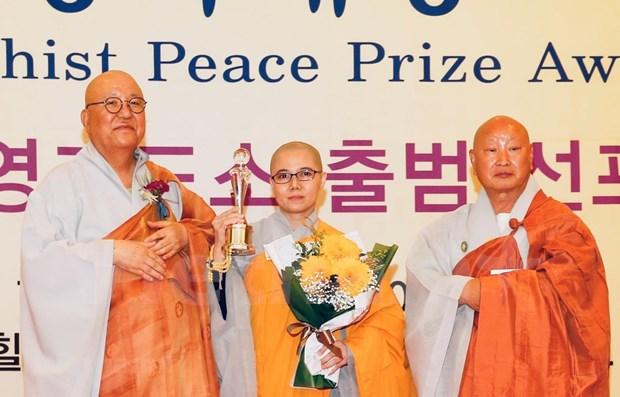 Recibe monja vietnamita Premio Mundial de la Paz del Budismo hinh anh 1