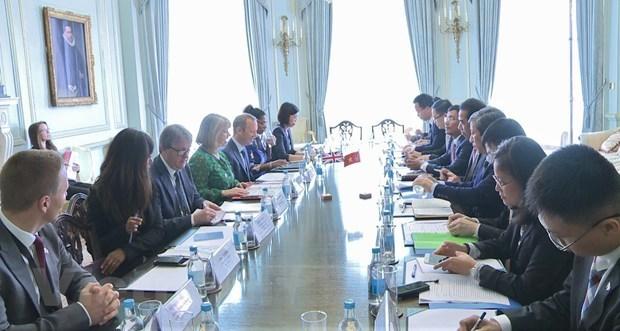 Valoran Vietnam y Reino Unido durante dialogo estrategico avances en sus relaciones hinh anh 1