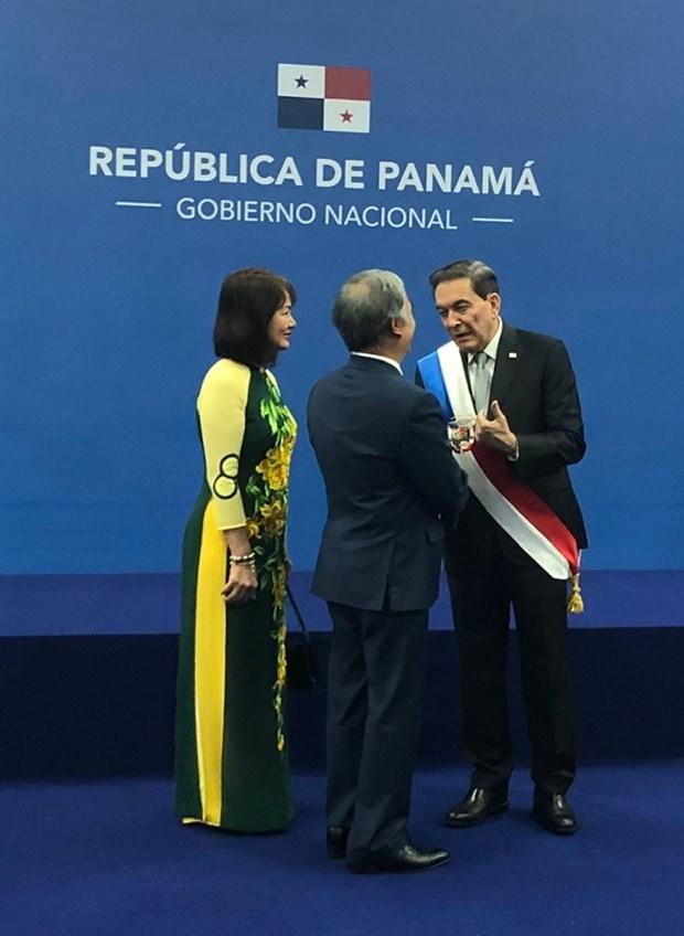Expresa nuevo presidente Panama interes en las experiencias de desarrollo de Vietnam hinh anh 1