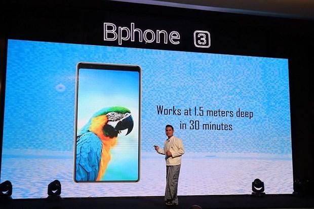 Presentan telefonos moviles vietnamitas Bphone 3 en Myanmar hinh anh 1