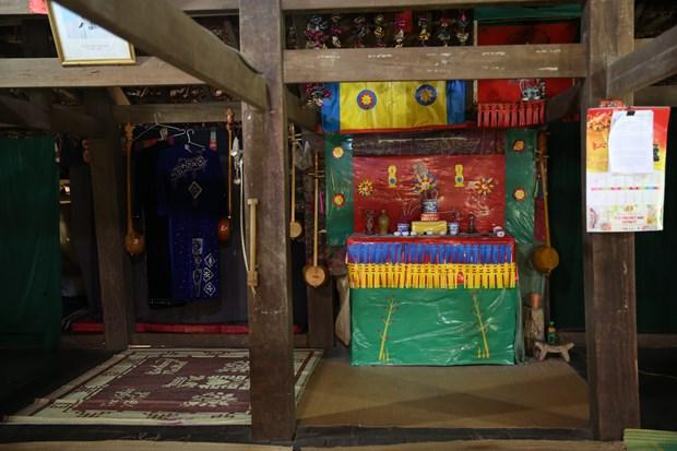 Atractiva Aldea de Cultura y Turismo de las Nacionalidades vietnamitas en Hanoi hinh anh 1