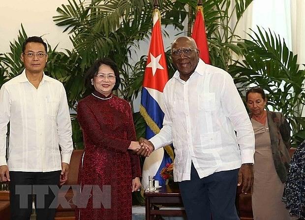 Reafirma vicepresidenta de Vietnam que su pais mantendra intercambio de experiencias con Cuba hinh anh 1