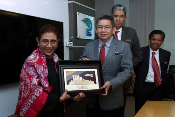 Colaboran Malasia e Indonesia en lucha contra pesca ilegal hinh anh 1
