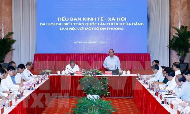 Insta primer ministro vietnamita a movilizar recursos para el desarrollo de provincias centrales hinh anh 1