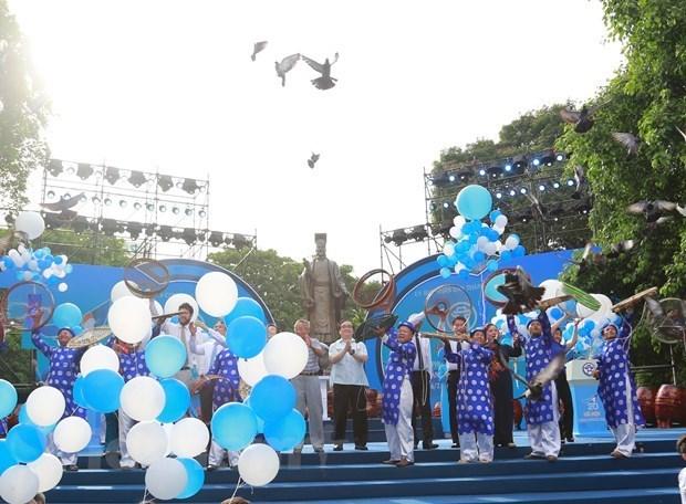 Hanoi celebra XX aniversario de reconocimiento como Ciudad por la paz hinh anh 1