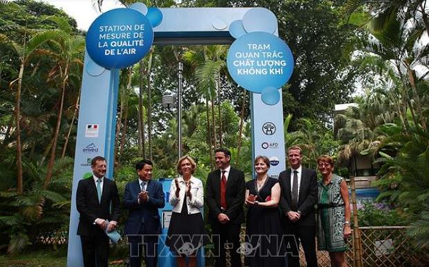 Inauguran en Hanoi estacion de monitoreo de la calidad del aire con asistencia francesa hinh anh 1