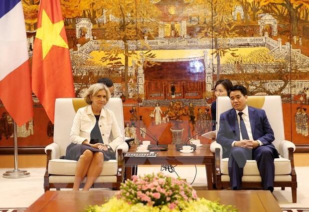 Promueve Hanoi ampliacion de la cooperacion con localidades de Francia hinh anh 1