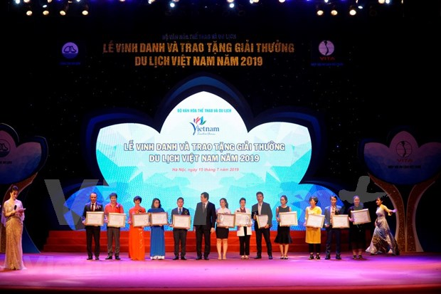 Premian en Vietnam a las mejores empresas turisticas hinh anh 1