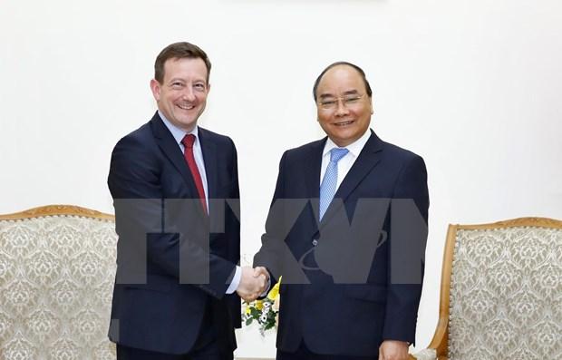 Recibe primer ministro de Vietnam a embajadores de Francia y Alemania hinh anh 1