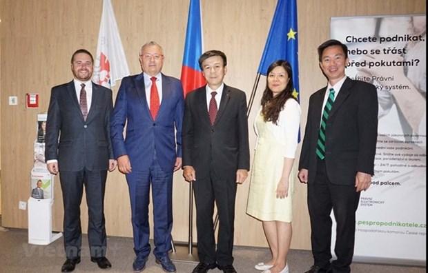Ampliara libre comercio de Vietnam con la UE cooperacion con Republica Checa hinh anh 1