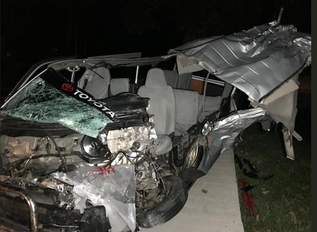 Mueren cuatro personas y nueve resultan heridas en un accidente vial en Filipinas hinh anh 1