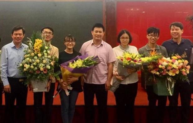 Ganan estudiantes vietnamitas medallas en Olimpiada Internacional de Biologia 2019 hinh anh 1