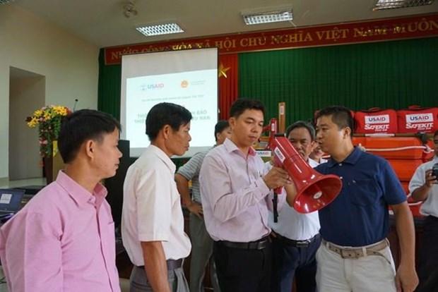 Entrega la USAID a provincia vietnamita dispositivos de alerta temprana para desastres naturales hinh anh 1