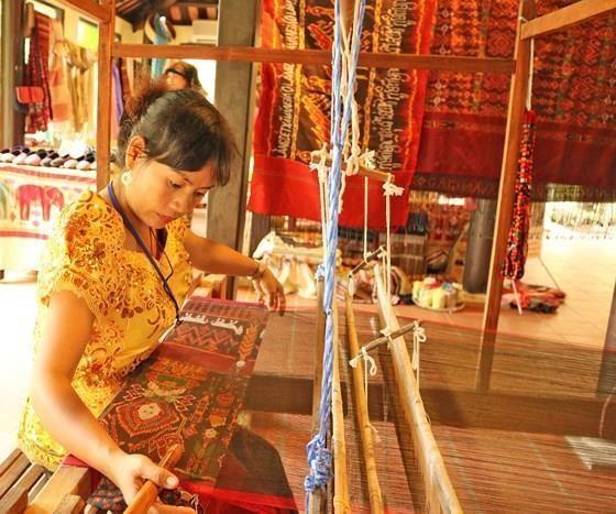Anuncian proxima celebracion del V Festival de Seda y Brocado en Vietnam hinh anh 1