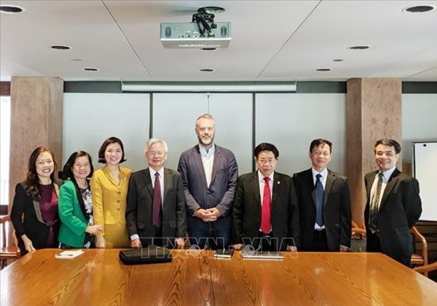 Comparten Vietnam y Canada experiencias en gestion estatal hinh anh 1