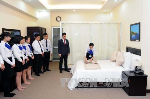 Ofrecen en Vietnam curso de capacitacion de administracion hotelera con asistencia suiza hinh anh 1