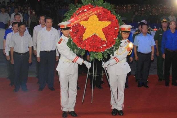 Efectuan en Vietnam numerosas actividades en homenaje a martires nacionales hinh anh 1