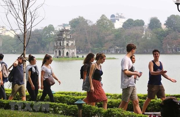 Visitan Hanoi casi 17 millones de turistas en primeros siete meses de 2019 hinh anh 1