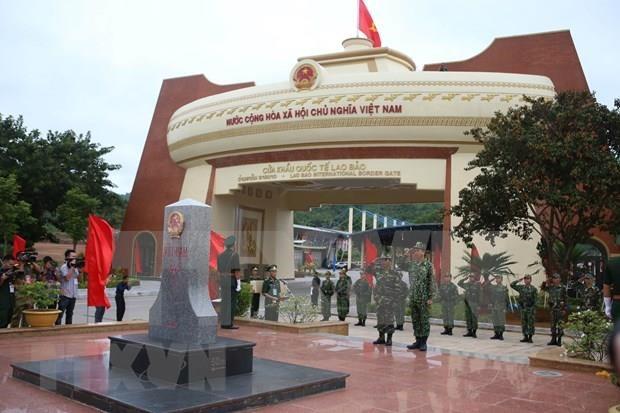 Realizan Vietnam y Laos patrullaje fronterizo conjunto durante intercambio amistoso hinh anh 1