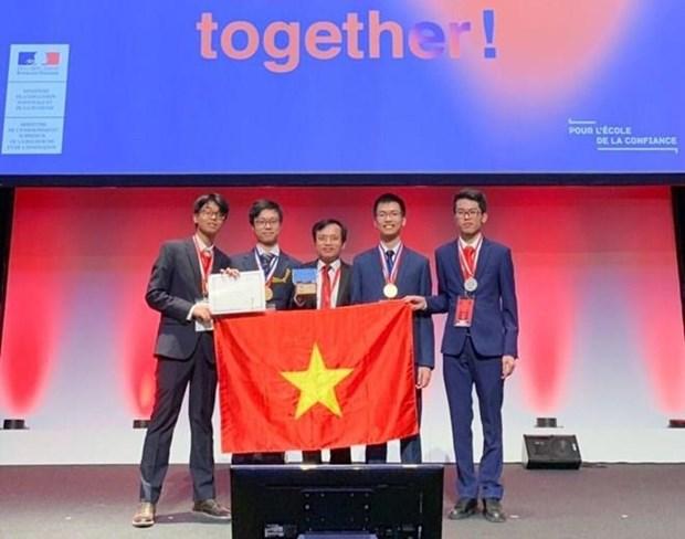 Ganan estudiantes vietnamitas medallas de oro y plata en Olimpiada Internacional de Quimica 2019 hinh anh 1