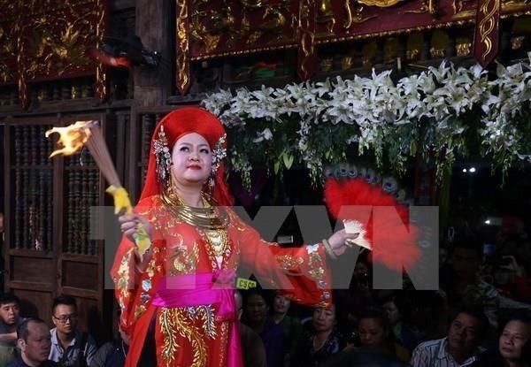 Inauguran en ciudad vietnamita exposicion sobre culto a Diosa Madre hinh anh 1
