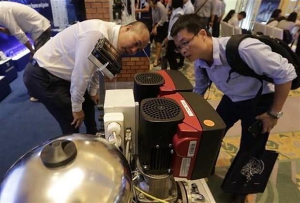 Inauguran en Vietnam exhibicion de equipos hidraulicos de Dinamarca hinh anh 1