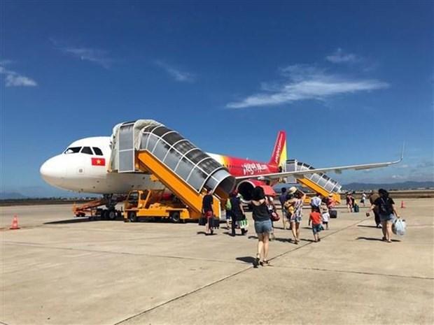 Suspenden vuelos aerolineas vietnamitas por tormenta Wipha hinh anh 1