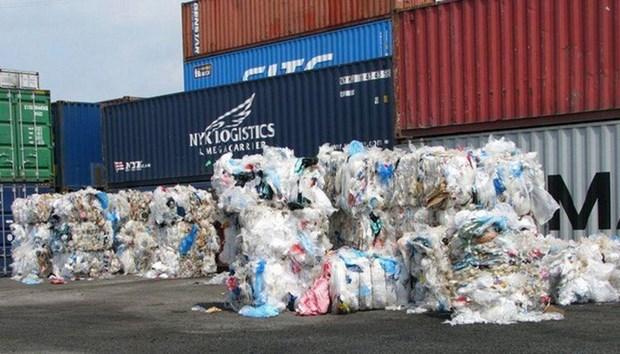 Expulsan de Vietnam mas de 500 contenedores de desechos en primera mitad del ano hinh anh 1