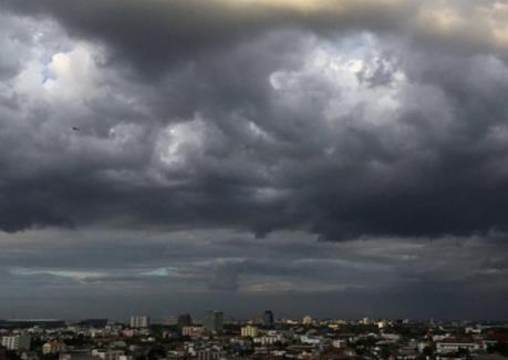 Mas de 200 casas danadas por tormentas en Tailandia hinh anh 1
