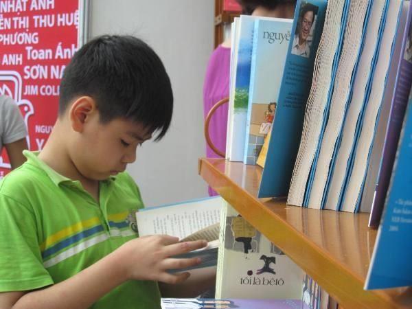 Biblioteca en pueblo natal de Ho Chi Minh incentiva practica de la lectura hinh anh 1