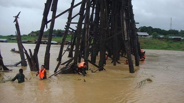 Tailandia: puente de madera mas largo al borde del colapso por lluvias hinh anh 1