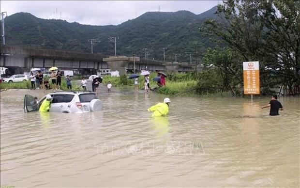 Vietnam expresa condolencias a China ante graves perdidas por tifon Lekima hinh anh 1