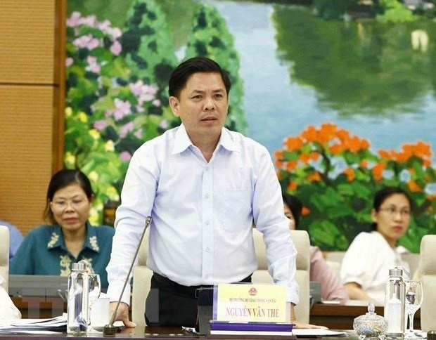 Reitera ministro de Transporte importancia de la construccion de autopista Norte-Sur de Vietnam hinh anh 1