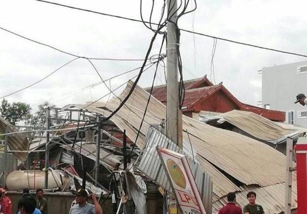 Decenas de personas heridas por explosion de un camion cisterna de gas en Camboya hinh anh 1