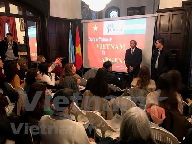 Promocionan en Argentina potencialidades turisticas de Vietnam hinh anh 1