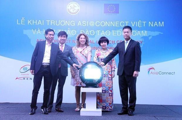 Lanzan en Vietnam proyecto Asia@Connect hinh anh 1