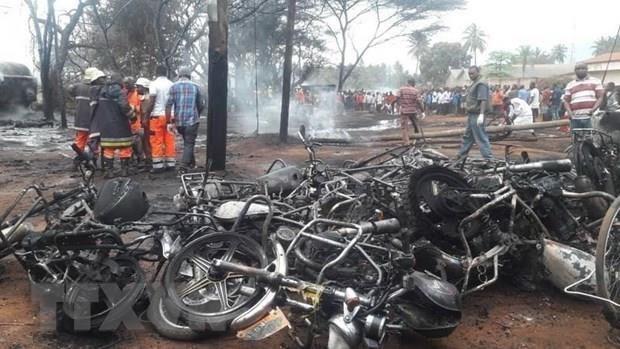 Expresa Vietnam solidaridad con Tanzania tras explosion mortal de camion cisterna hinh anh 1