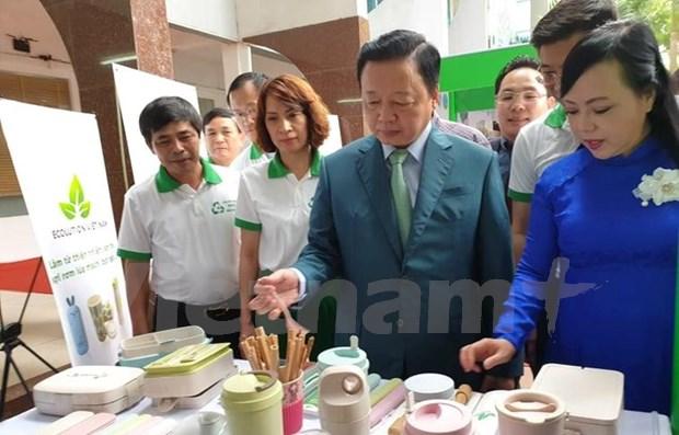 Amplian en Vietnam campana para la reduccion del uso de productos plasticos hinh anh 1