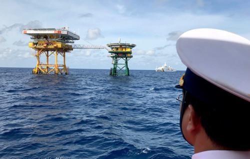 Plataforma DK1 reafirma la soberania de Vietnam en el Mar del Este hinh anh 1