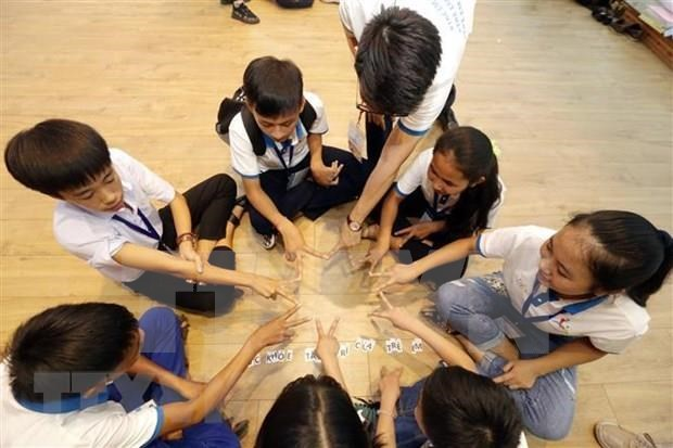 Dialogan ninos vietnamitas con dirigentes nacionales durante foro infantil hinh anh 1