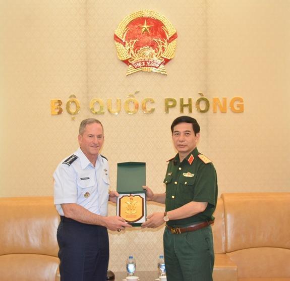 Fortalecen Vietnam y Estados Unidos cooperacion en defensa hinh anh 1
