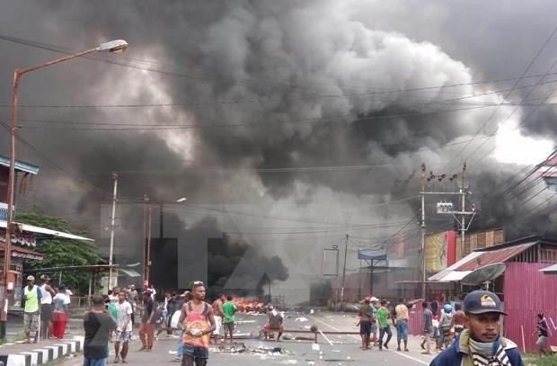 Hieren a tres policias durante disturbios en provincia indonesia de Papua hinh anh 1